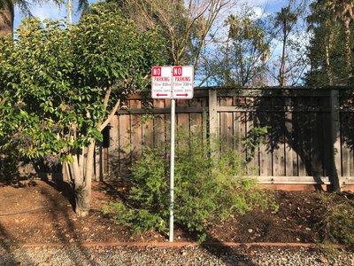 Acacia Ave Parking Sign